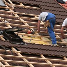 Кровельные работы в Тюмени на крыше дома