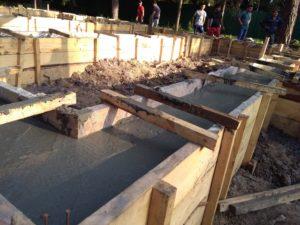 Закончены работы по заливке фундаментов в Перевалово 6